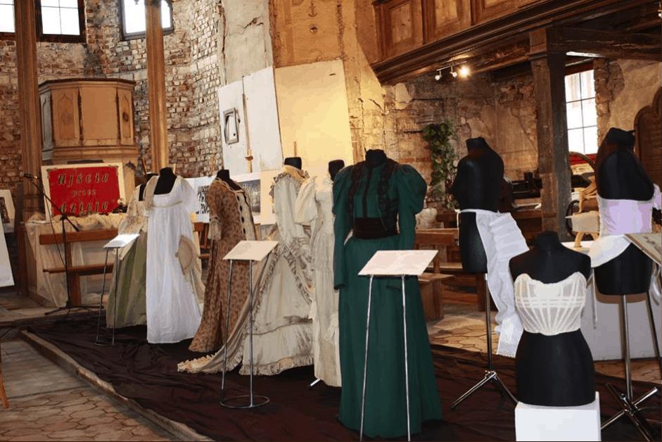 FEIERLICHE ERÖFFNUNG DES MUSEUMS FÜR HISTORISCHE KLEIDUNG IN POSEN, POLEN