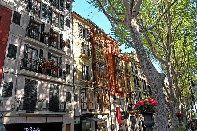 Spanisch im Urlaub – welchen Dialekt spricht man auf Mallorca?